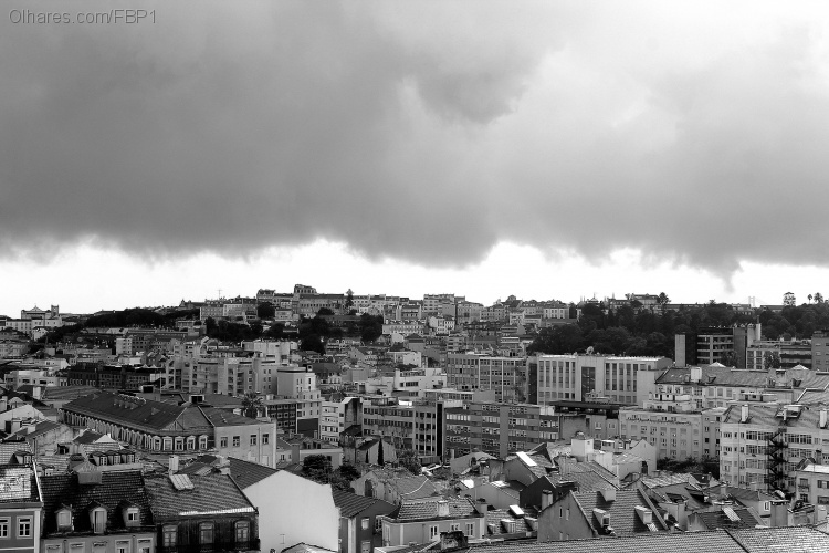 Paisagem Urbana/Lisboa continua nublada
