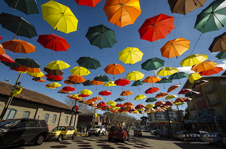 Paisagem Urbana/Guarda-chuvas de Canela, RS-BR