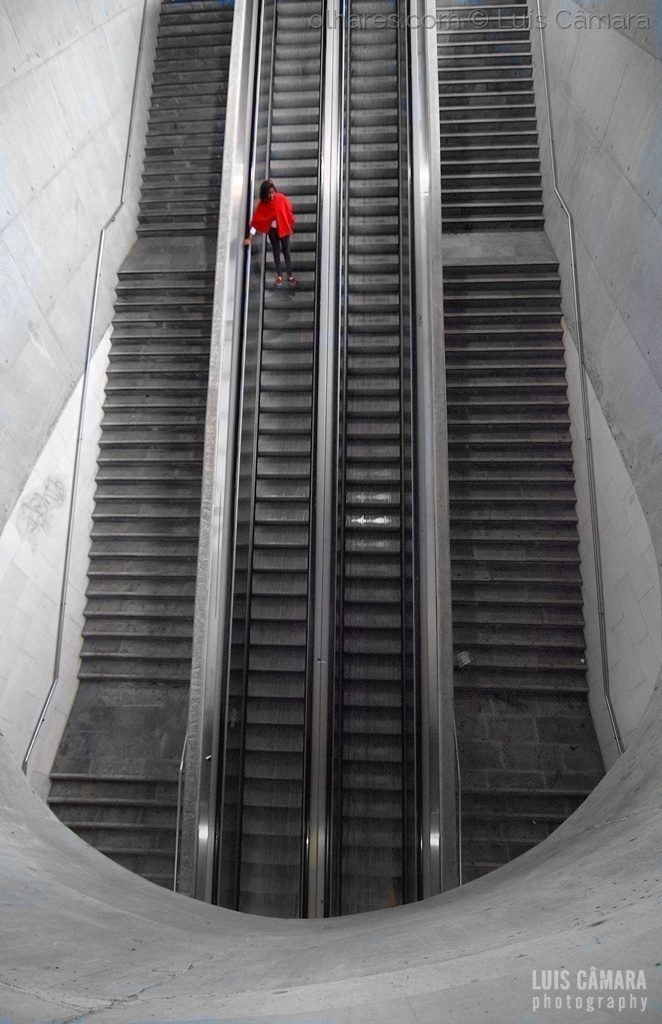 Paisagem Urbana/The red spot in the stairs