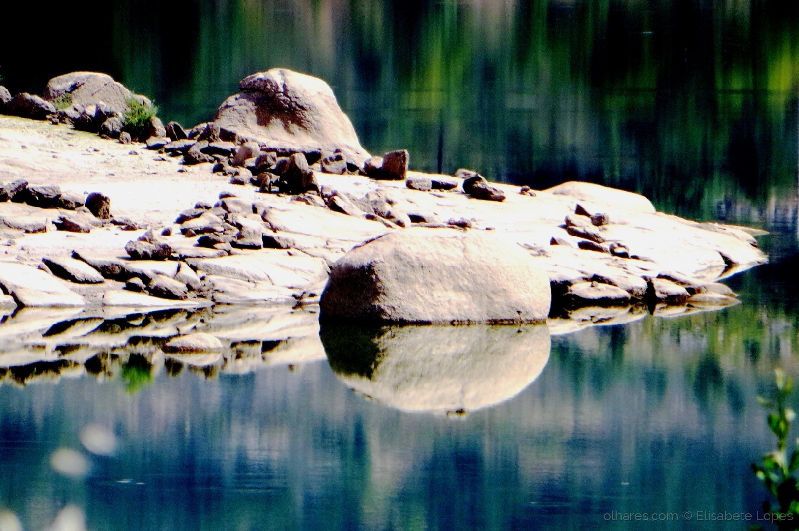 Paisagem Natural/Reflexos de pedra