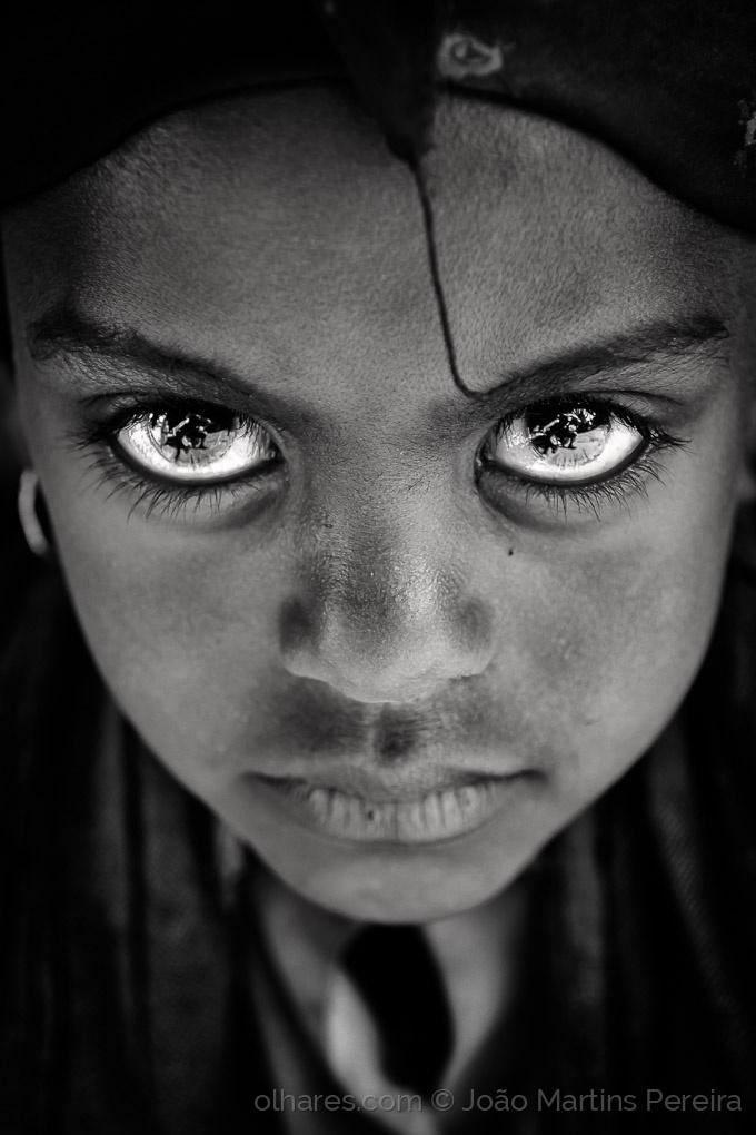 Retratos/Dedicated ( ou O Mundo inteiro no teu Olhar)