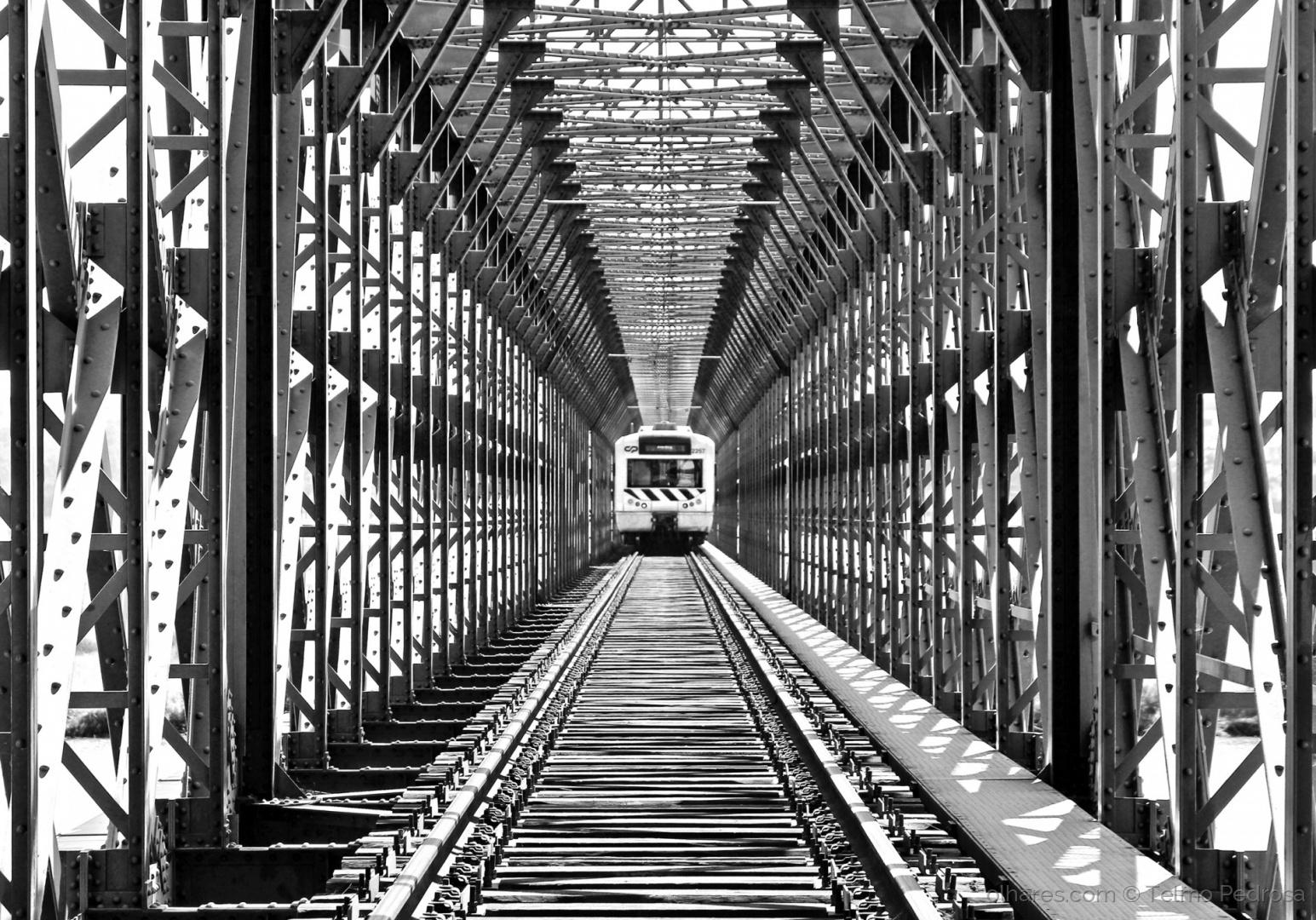 Outros/Ponte B&W