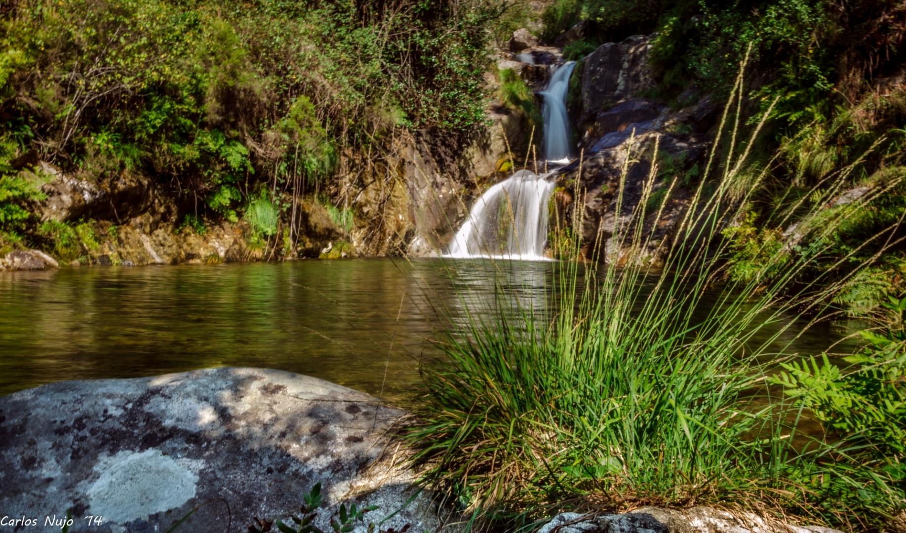 Resultado de imagem para Cascata do Poço do Linho, Vale de Cambra