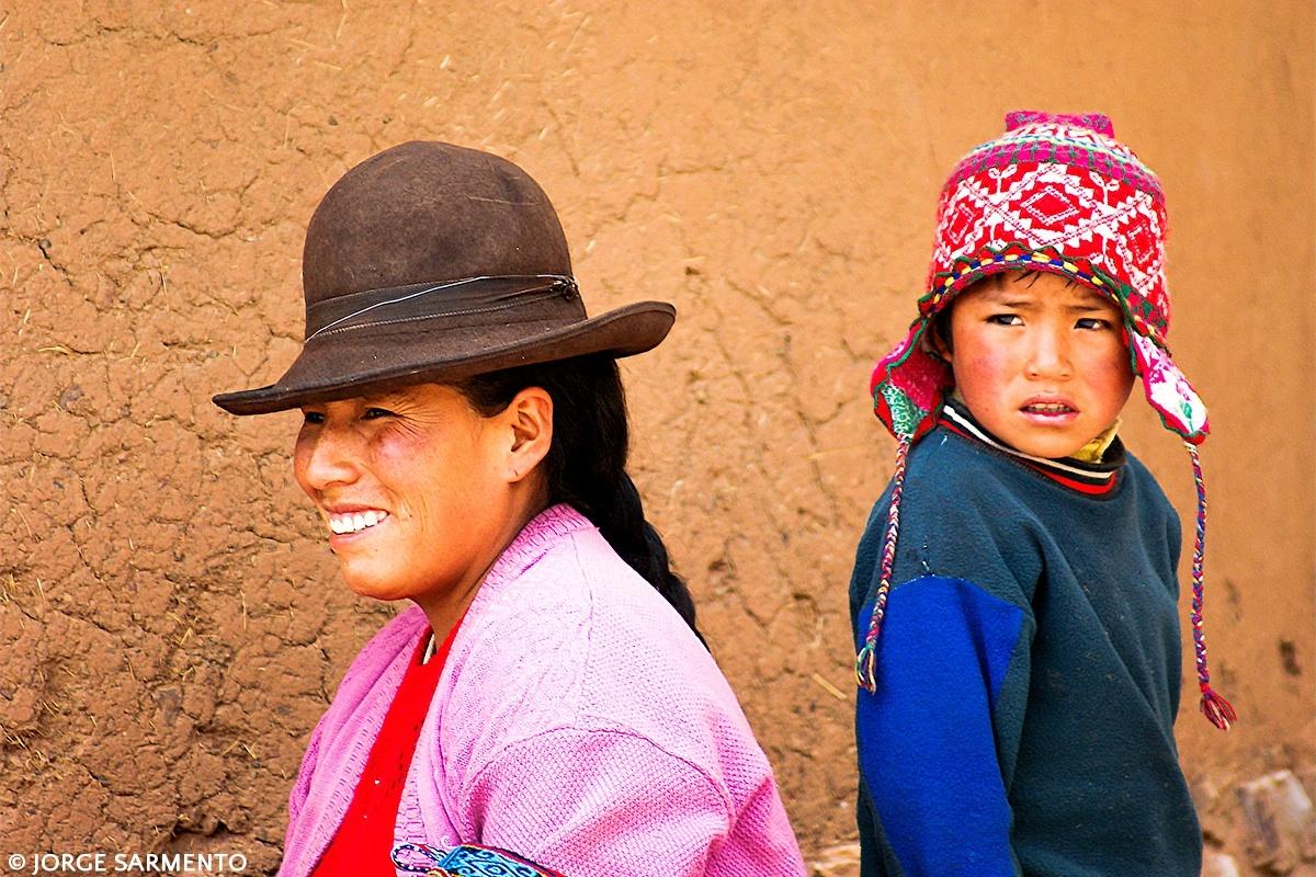 Gentes e Locais/mud people