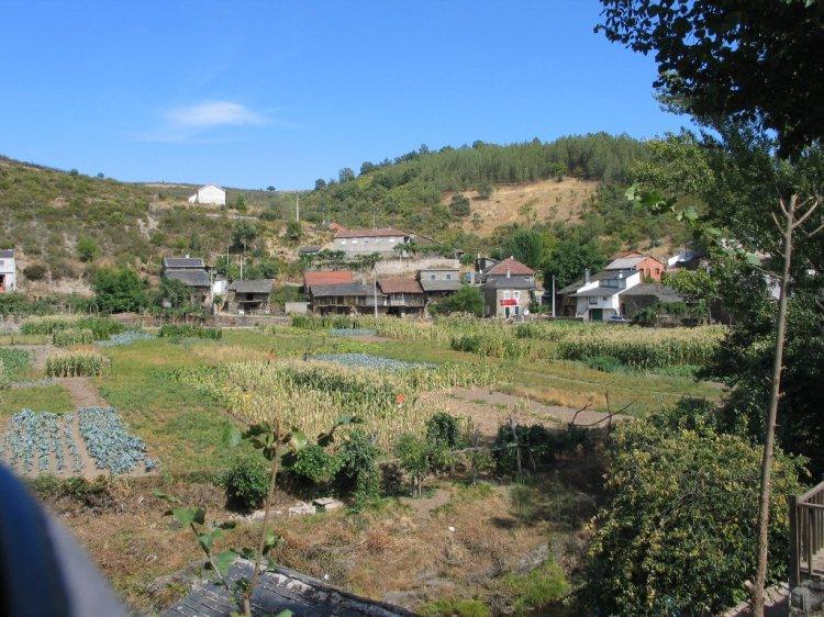 Paisagem Natural/Aldeia de Rio de Onor