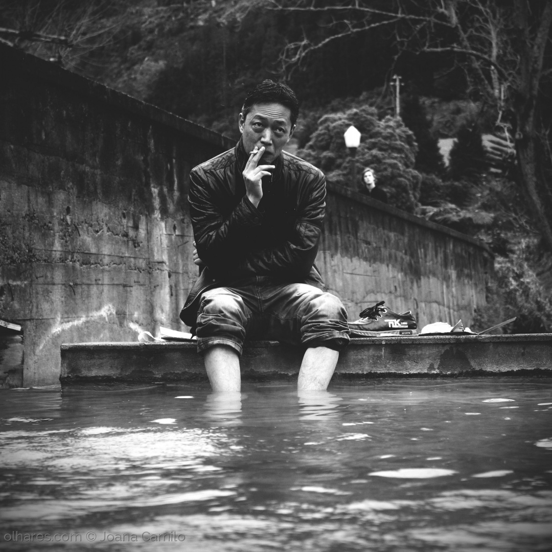 Retratos/Warm water and a cigarette...