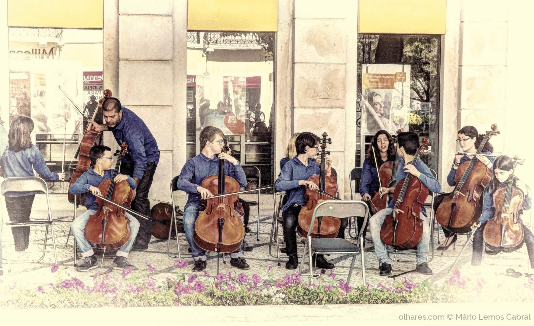 Espetáculos/Concerto na Praça do Bocage (ler)