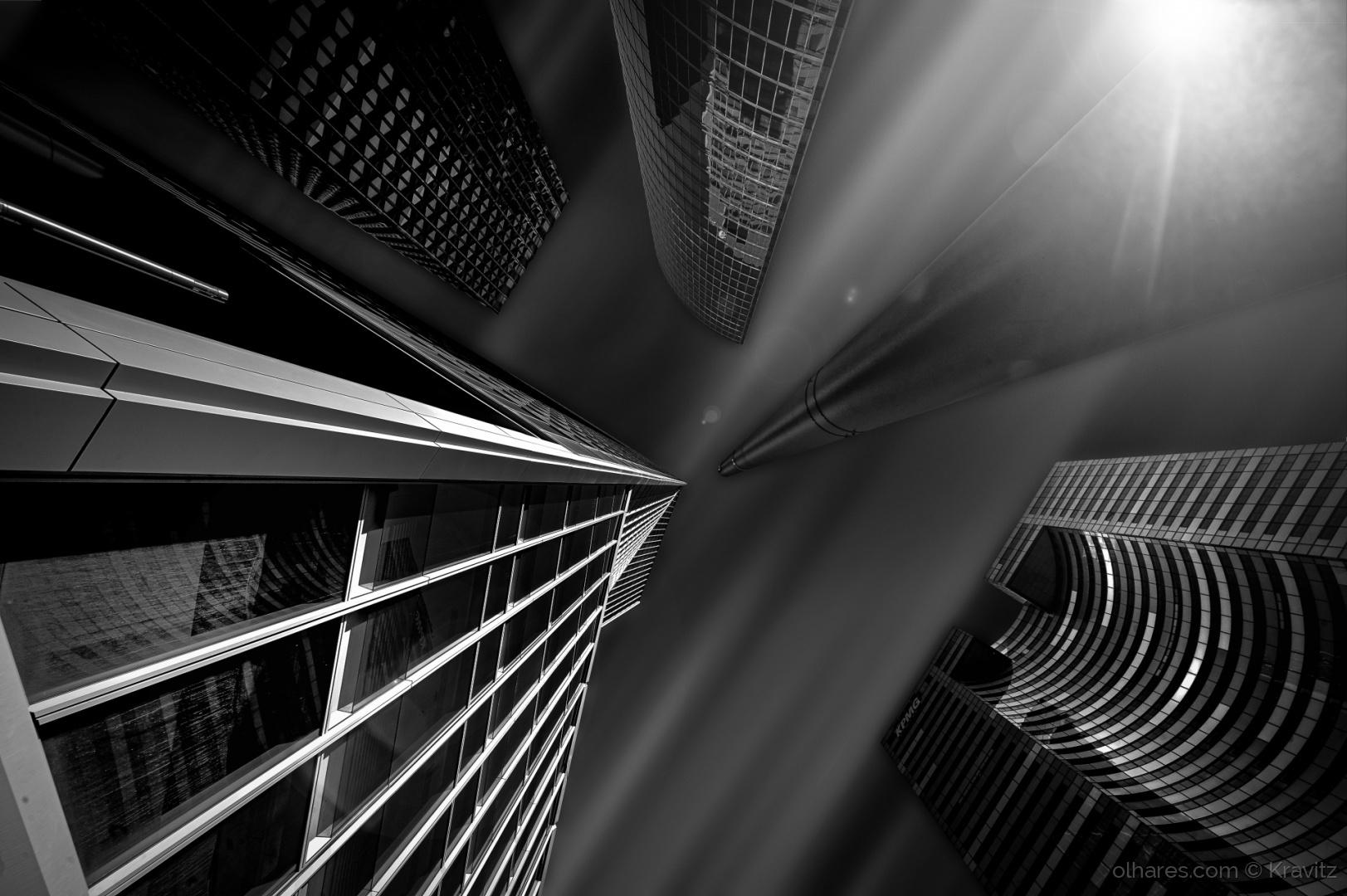 Paisagem Urbana/Dark Momentum VI