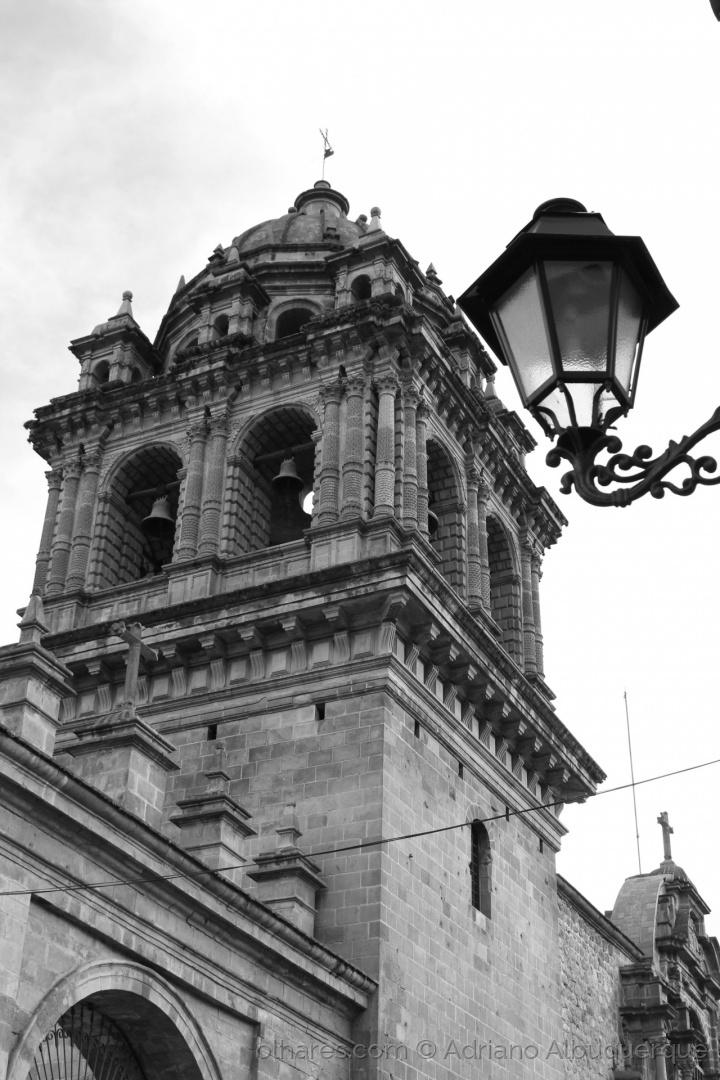 Paisagem Urbana/Iluminada pelo candeeiro...(B&W)