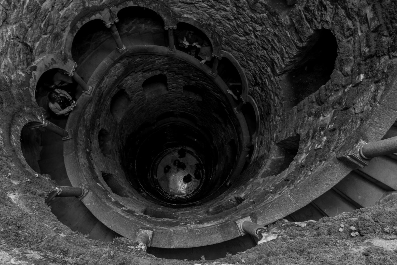 Gentes e Locais/Luz ao fundo do poço