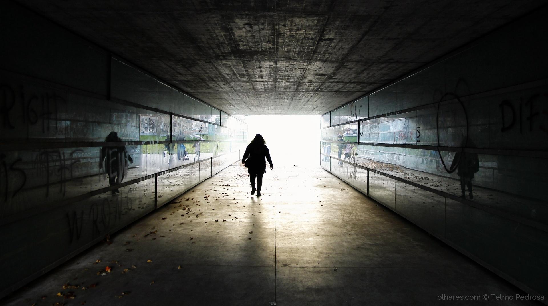 Paisagem Urbana/Caminhando das trevas para a luz