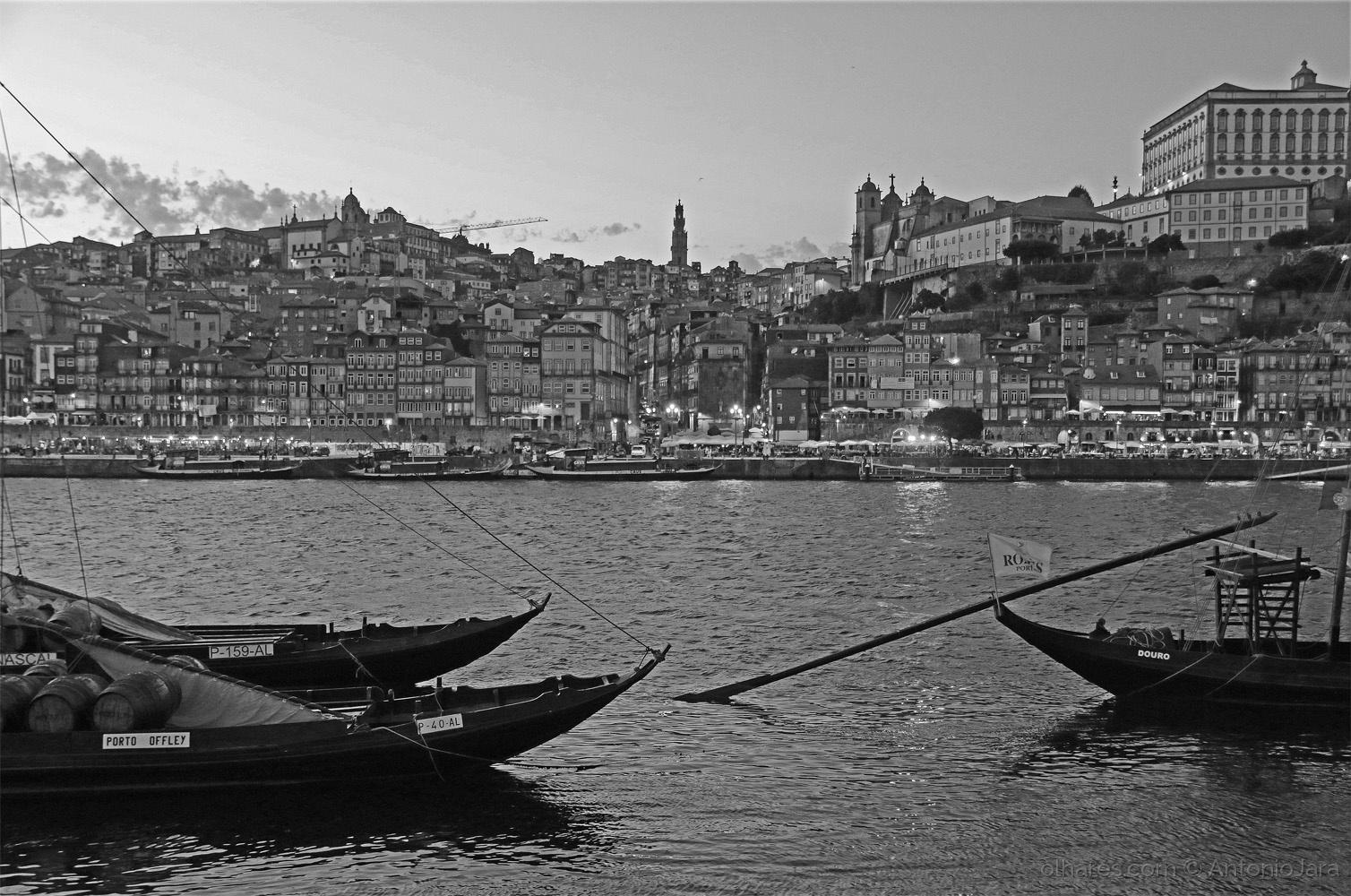 Paisagem Urbana/O Pintor Olhando o rio Douro ( Porto )