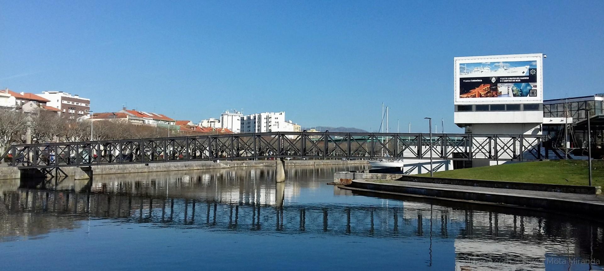 Paisagem Urbana/Reflexos da ponte. ..!!!  LER