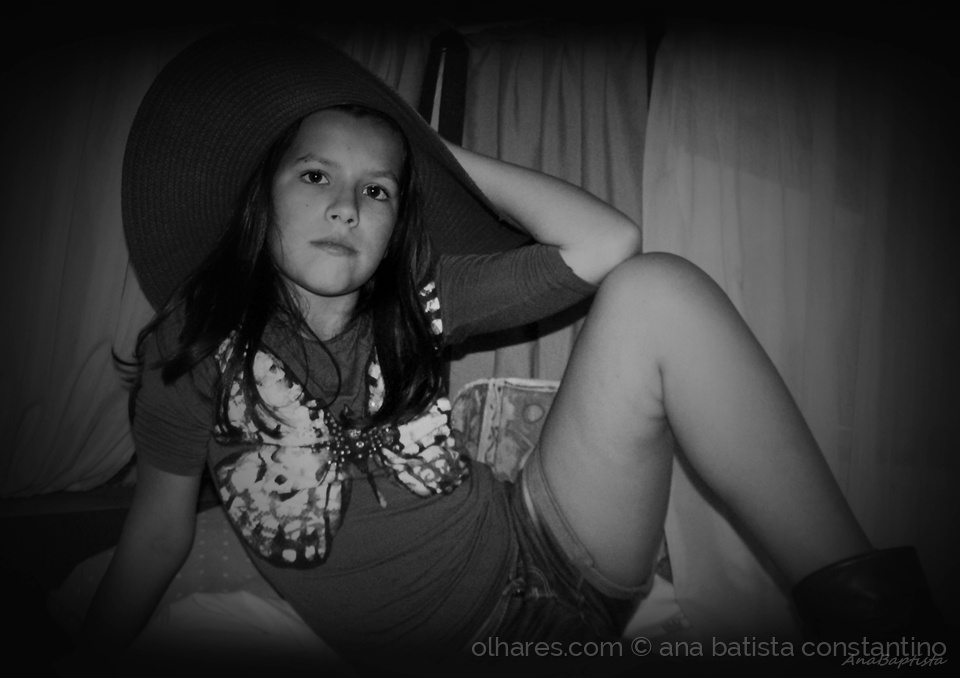 Retratos/The girl and the hat ...
