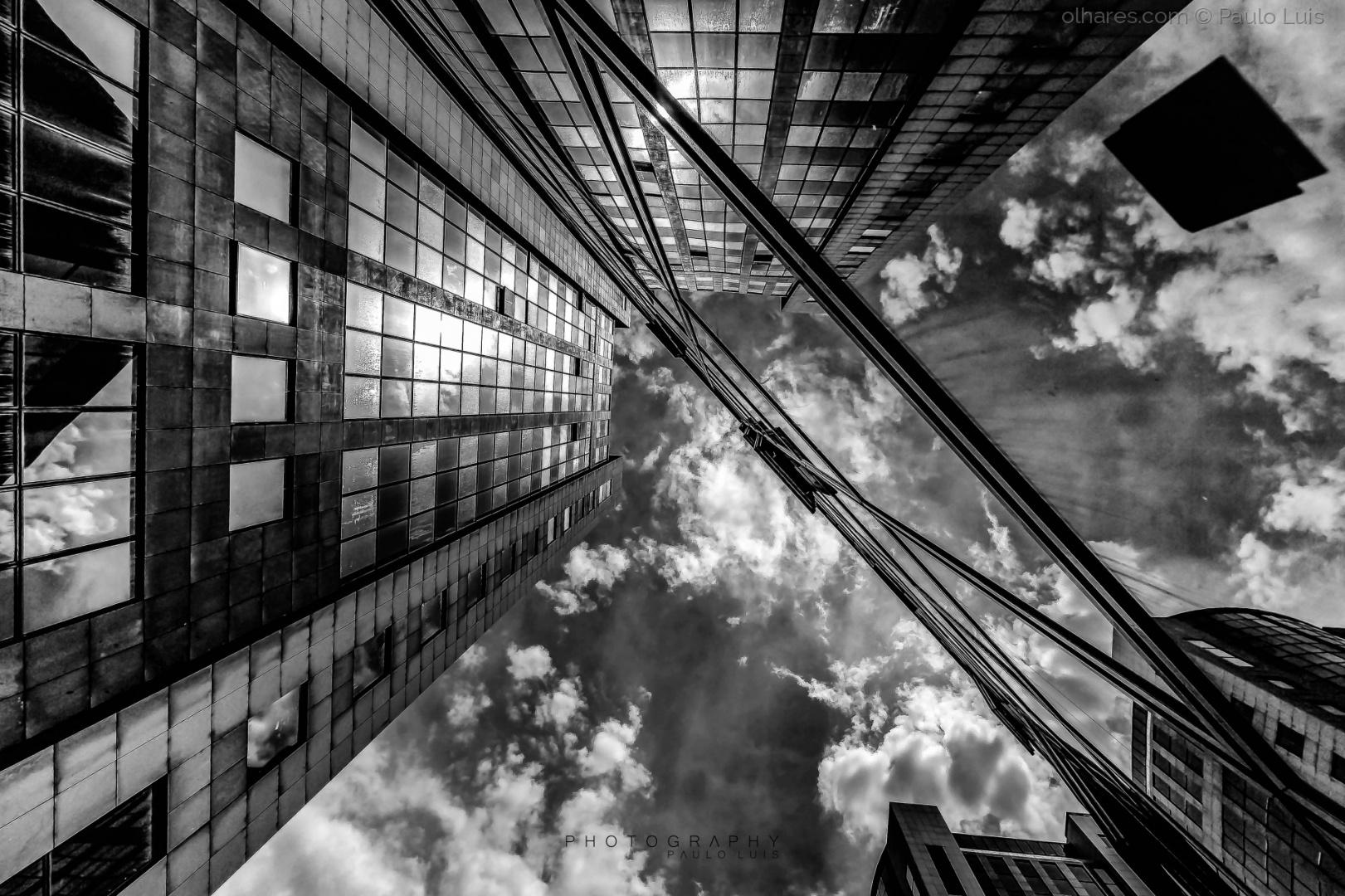 Paisagem Urbana/O céu é o ponto de fuga...