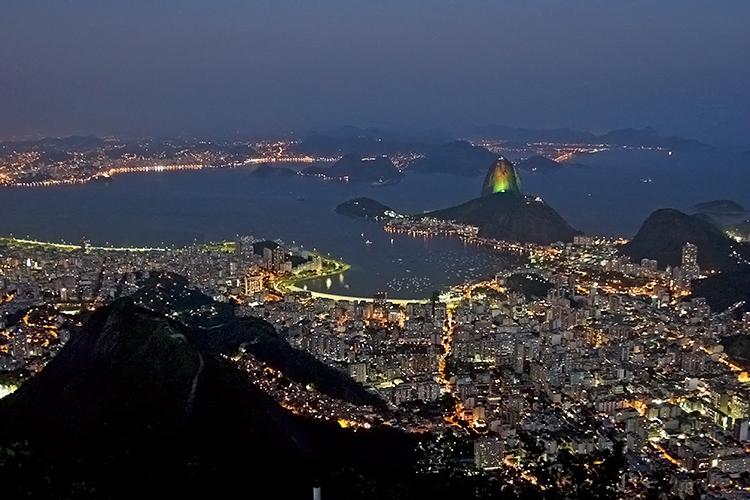 Paisagem Urbana/Vista noturna do Cristo