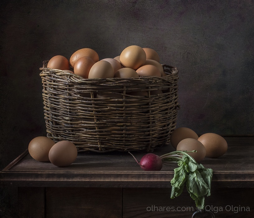 Outros/Basket of eggs