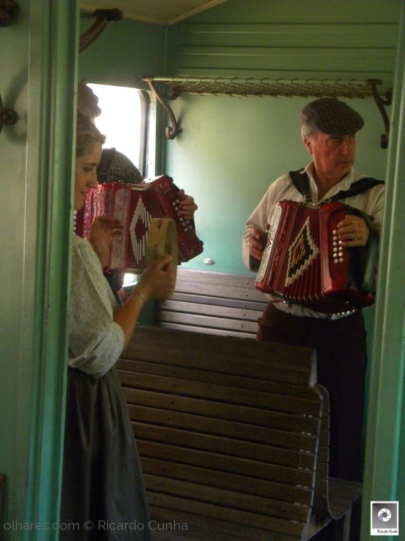Gentes e Locais/A bordo do Comboio Histórico do Douro-Tradição