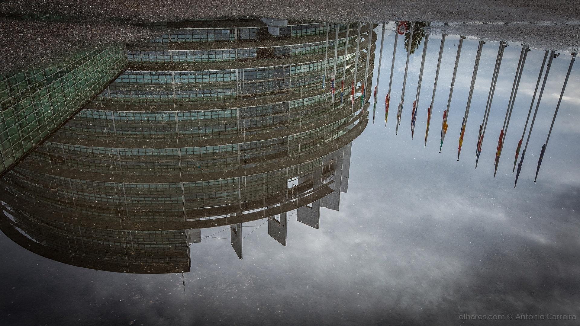 Paisagem Urbana/Europa, 60 anos depois (continua no charco)