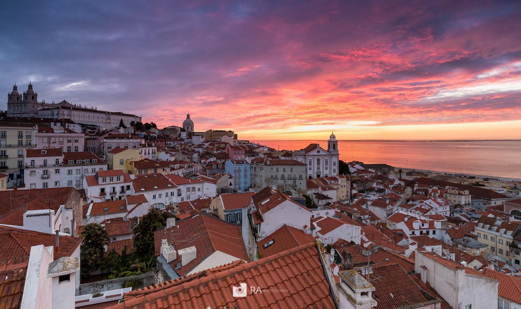 Gentes e Locais/Welcome to Lisbon