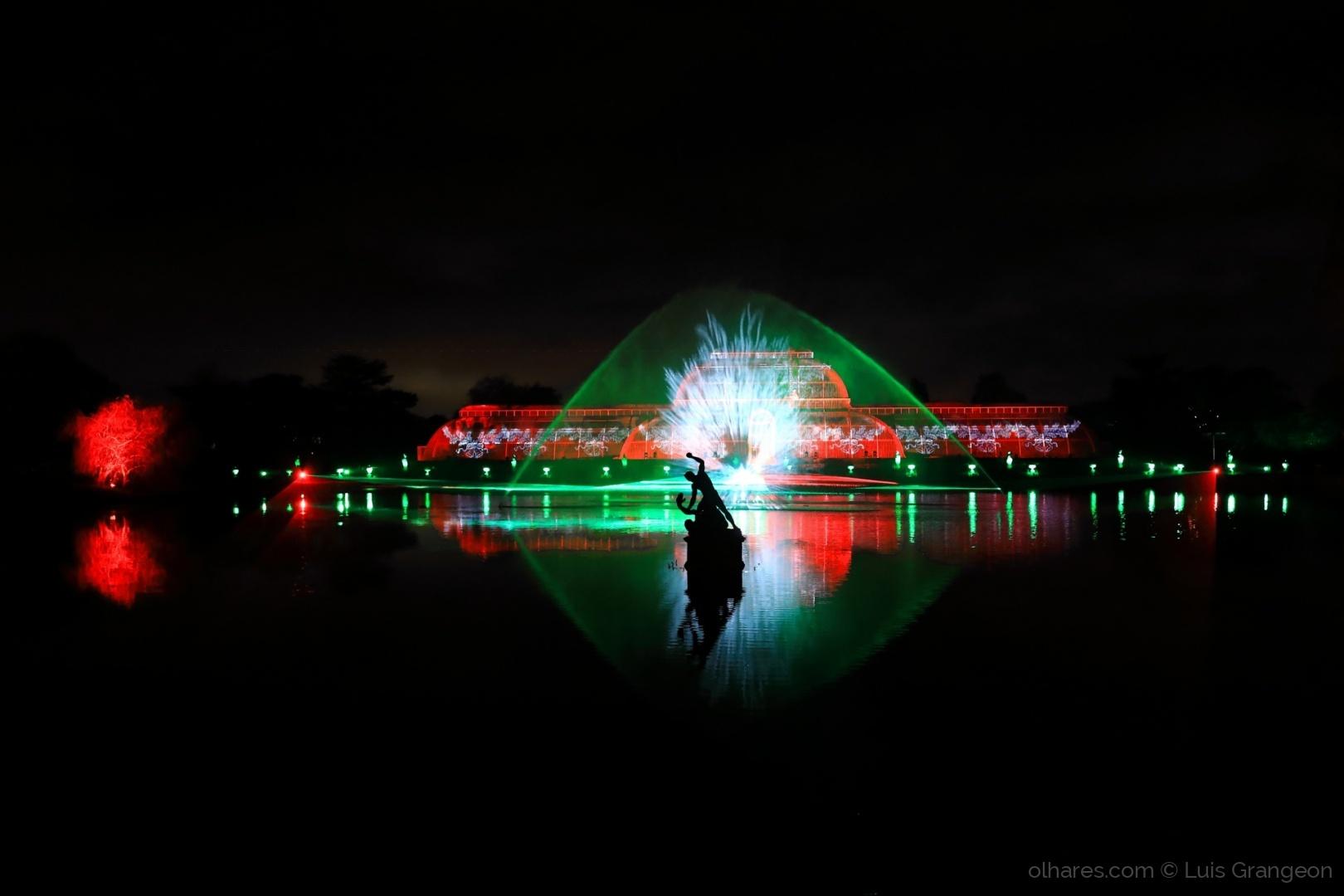 Espetáculos/Reflexos em vermelho e verde