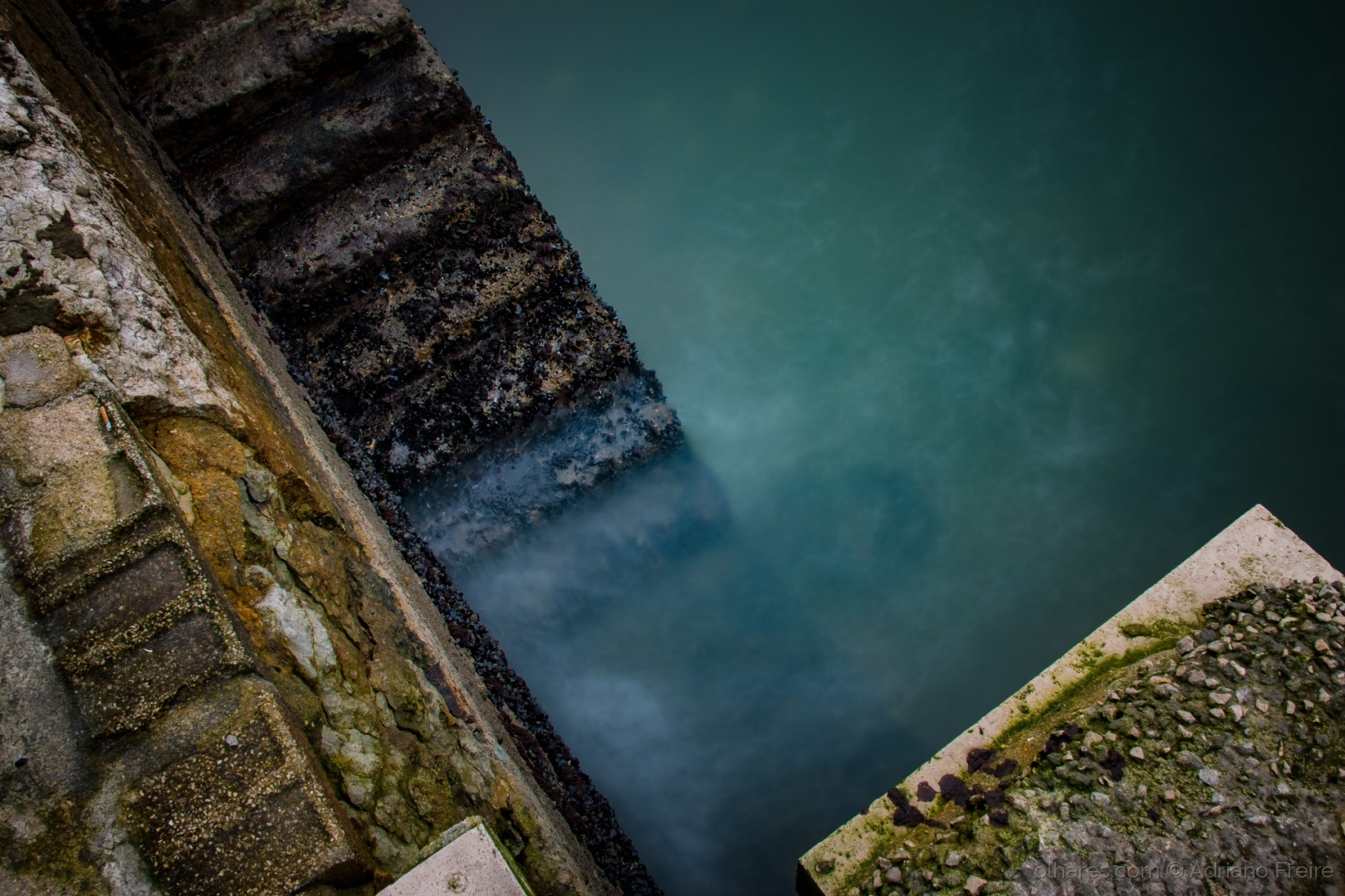 Abstrato/The Wet Stairs