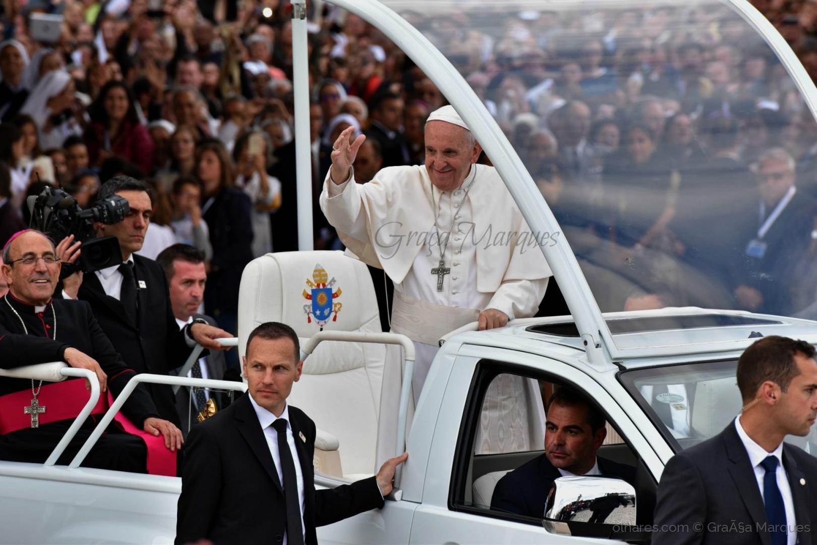 História/Papa Fransisco canonizou os pastorinhos Jacinta!