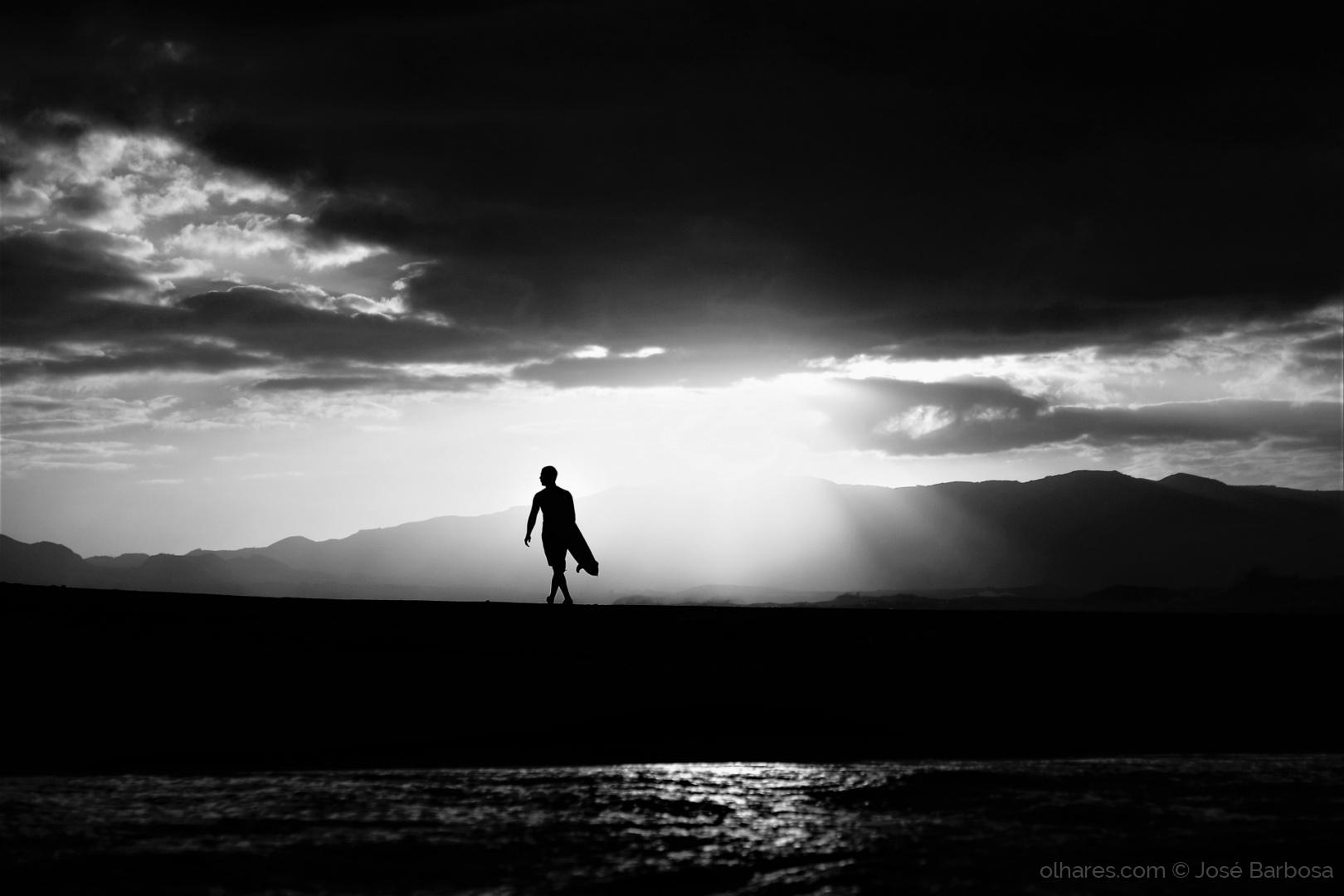 Desporto e Ação/The surfer universally ONLY with the LIGHT.