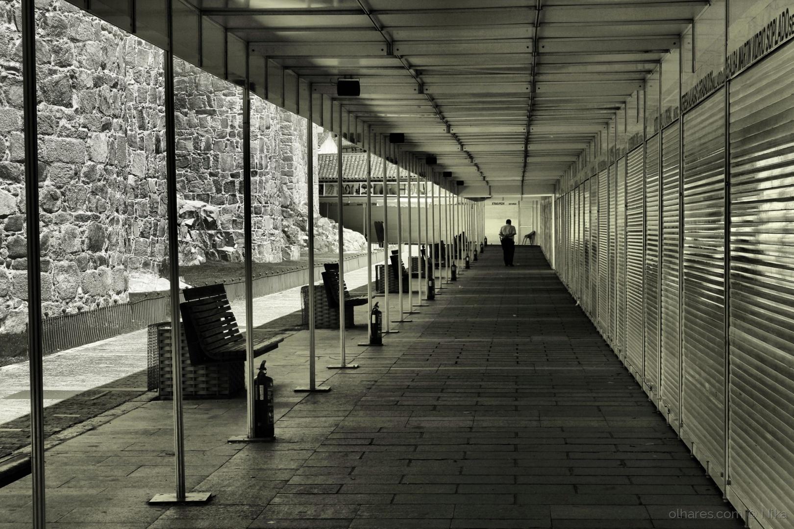 Fotojornalismo/...cada homem faz o seu caminho só.