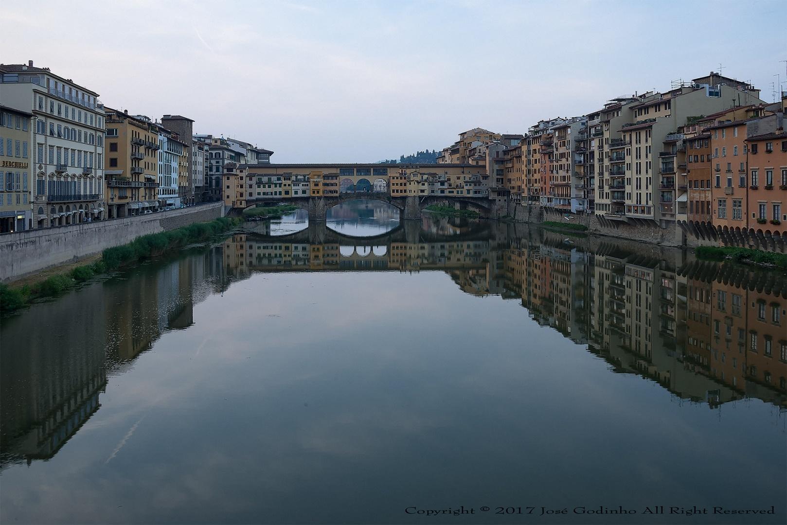 Paisagem Urbana/Amanhecer em Florença - Ponte Vecchio