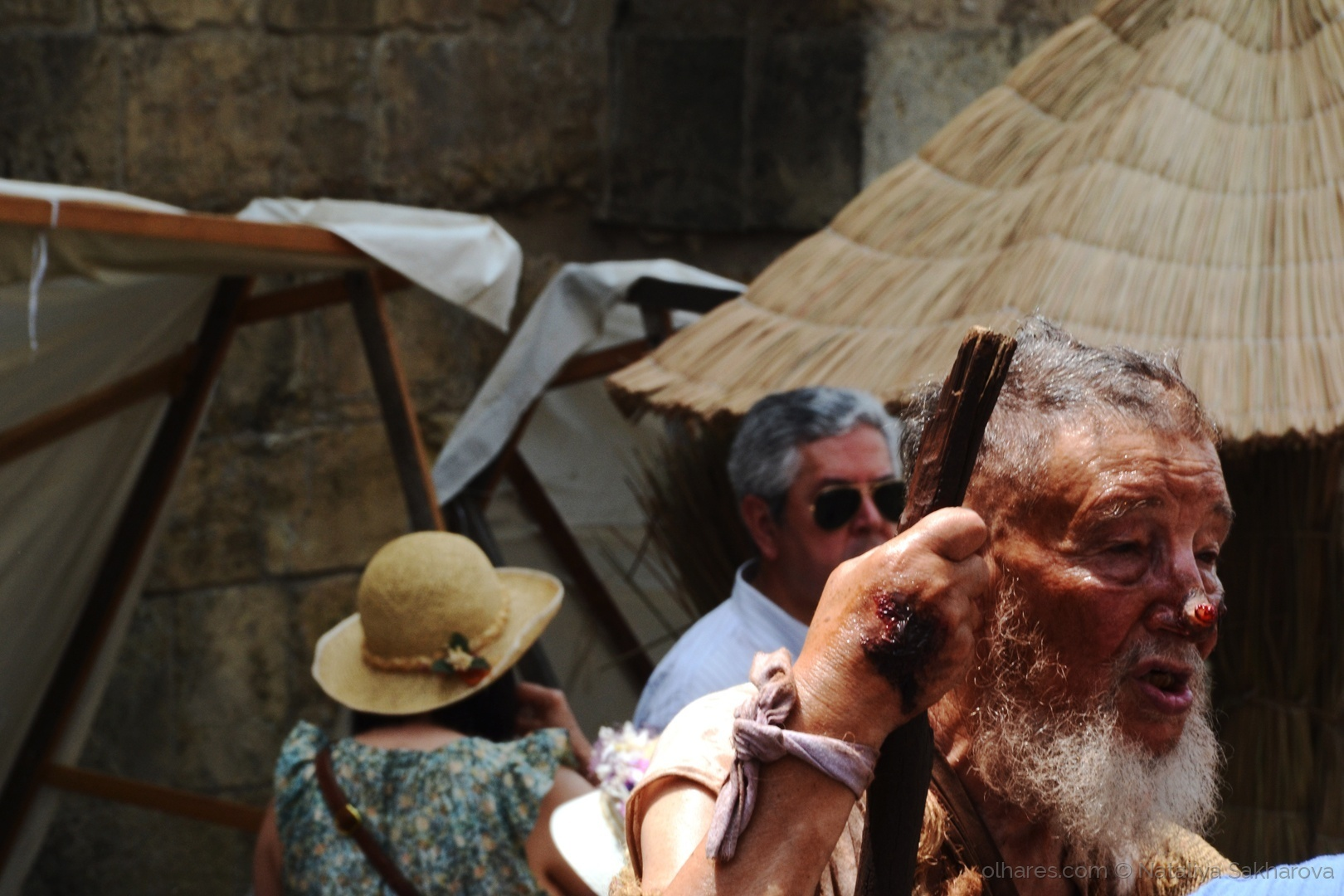 Gentes e Locais/Mendigo Basilius (por favor ler)