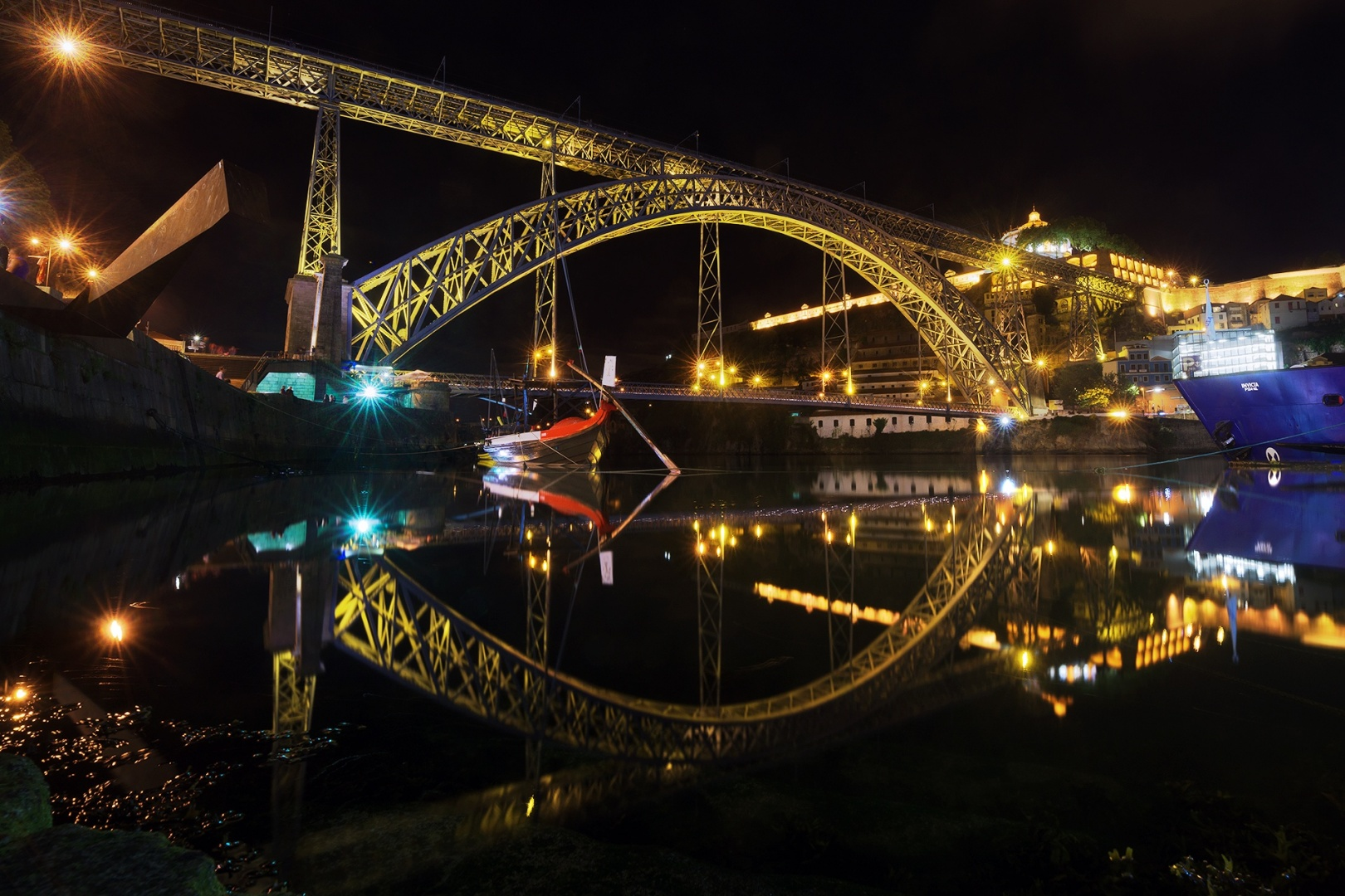 Paisagem Urbana/ponte e reflexo