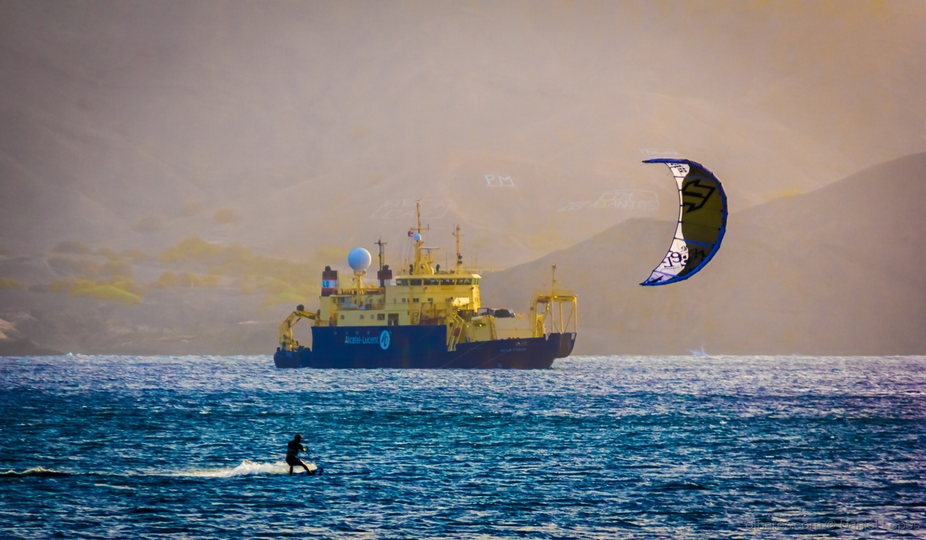 Desporto e Ação/Kitesurfing na Laginha
