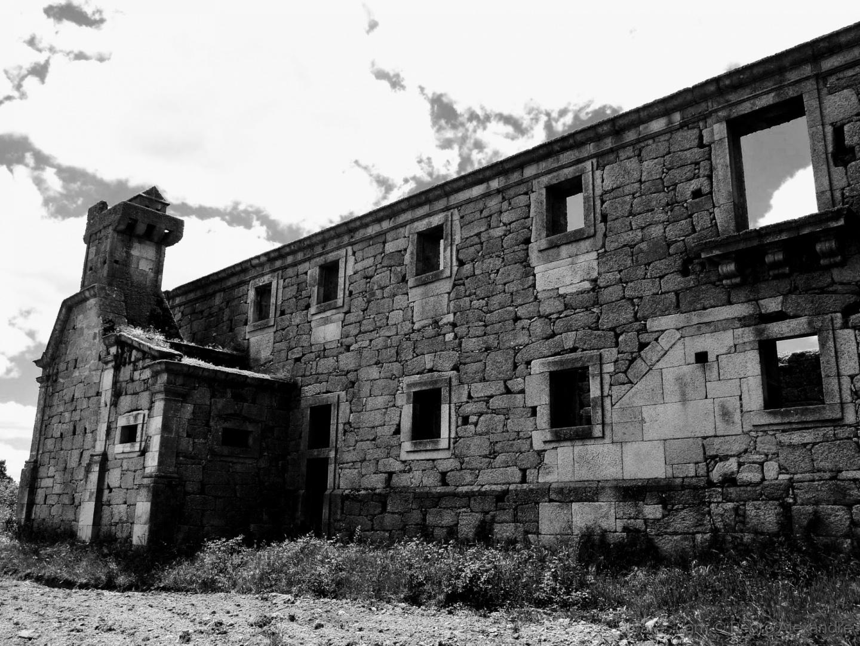 História/As ruínas no Convento de Sacaparte