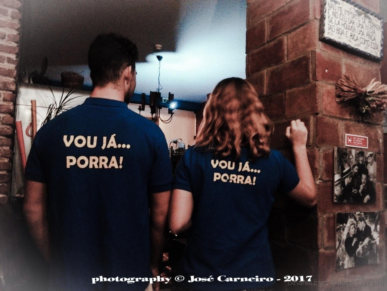 """Fotojornalismo/"""" GENUÍNO SERVIÇO À MANEIRA ... """" (Ler)"""