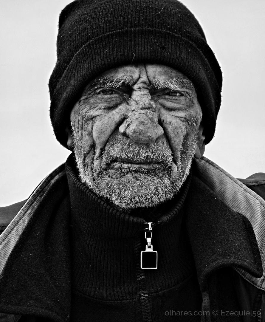 Retratos/Gente que por mim passa (Ler descrição)