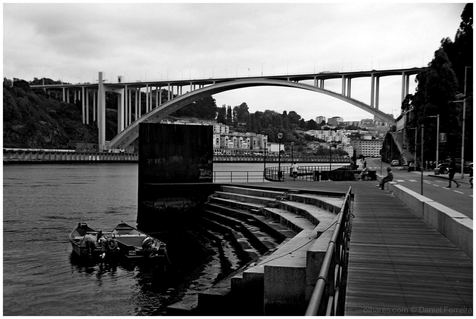 Gentes e Locais/Um olhar sobre a ponte