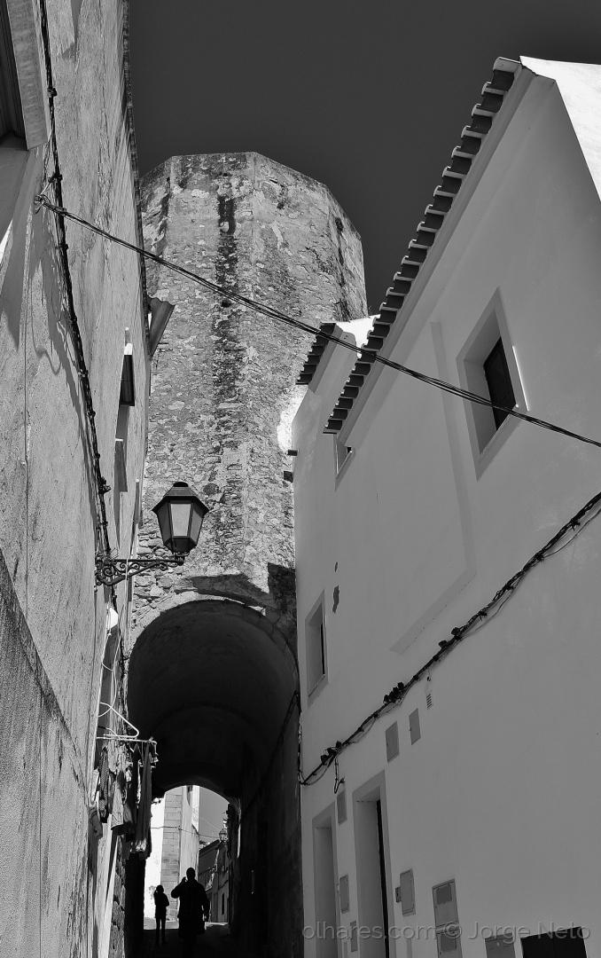 Paisagem Urbana/O Túnel por Baixo da Torre