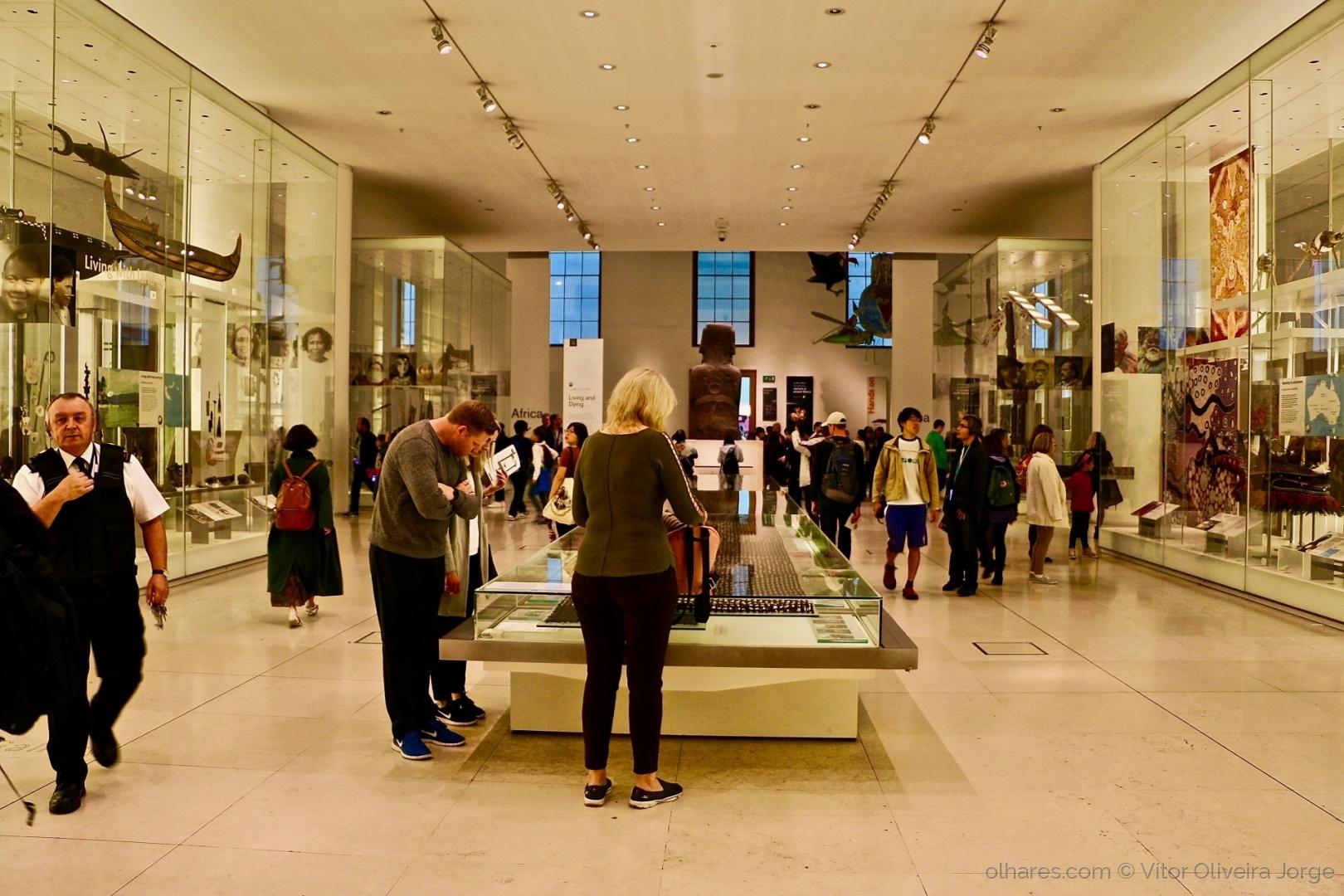 Gentes e Locais/todos procuram o museu