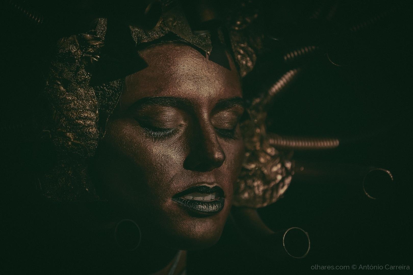 Retratos/Tubular brown