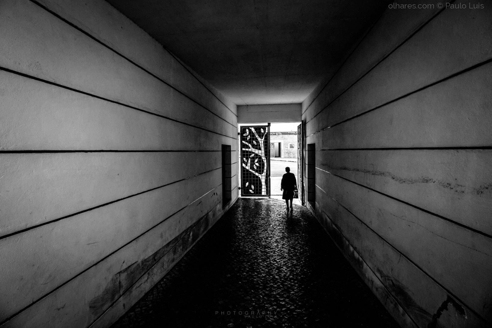 Gentes e Locais/life Is an open Door