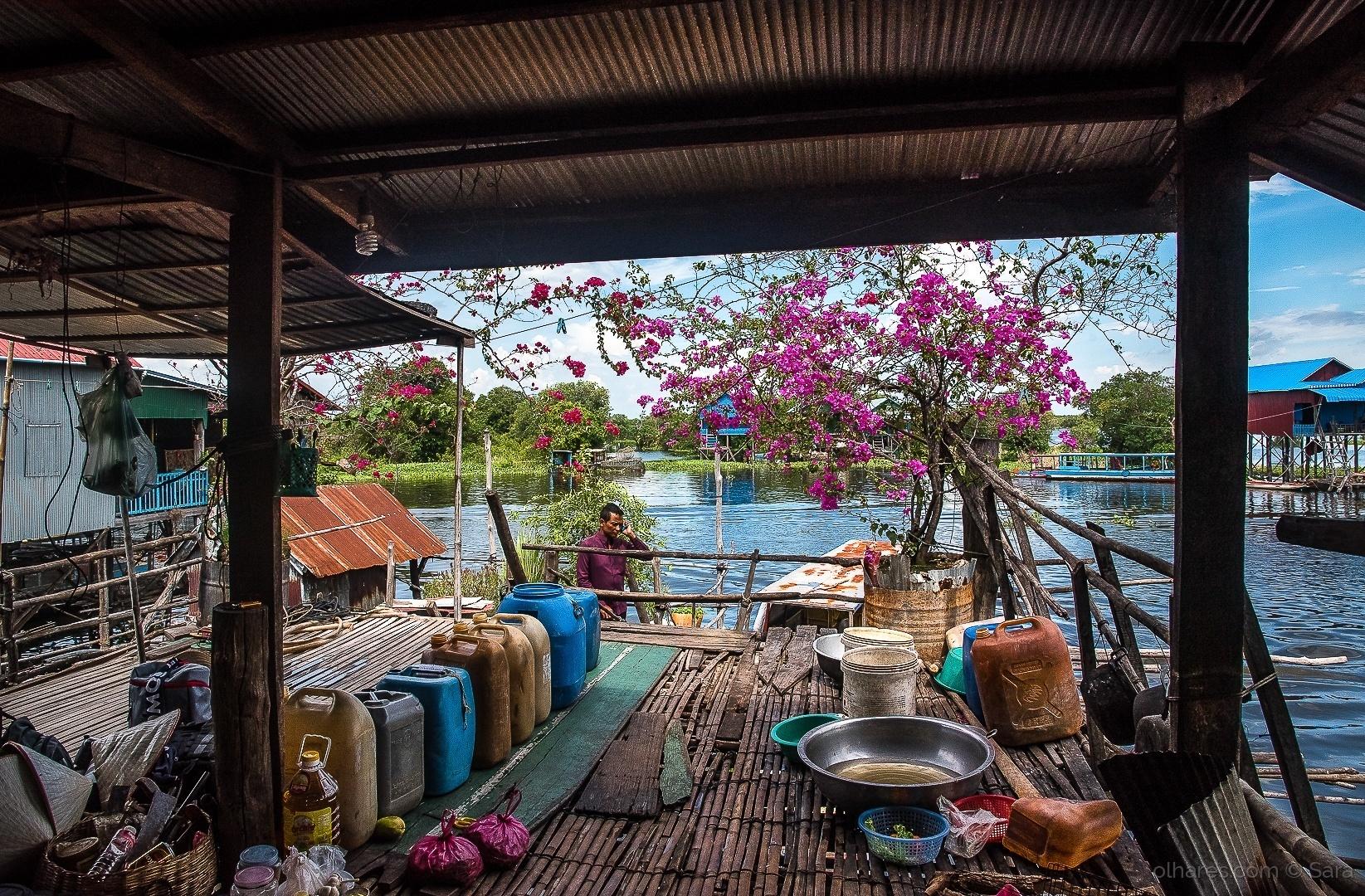 Gentes e Locais/Viver sobre a água (em Kompong Phluk...)