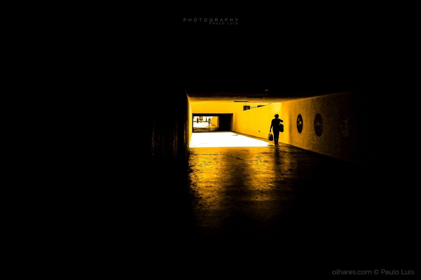 Gentes e Locais/yellow light