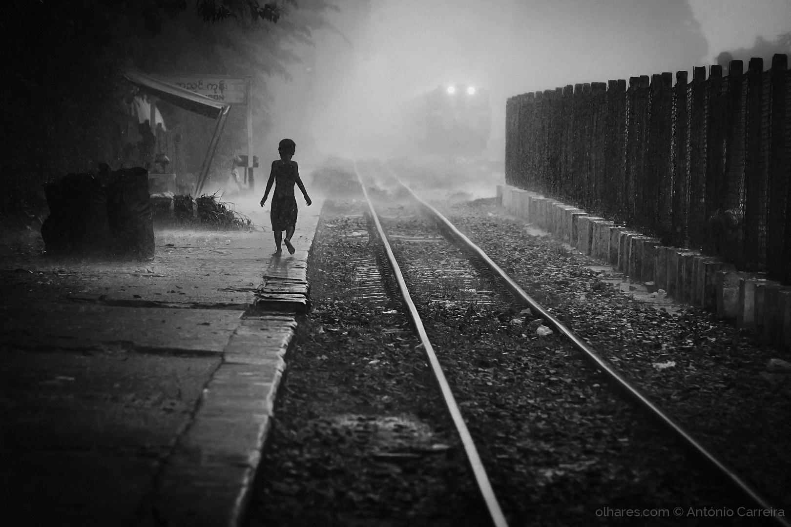 Gentes e Locais/The rain rails
