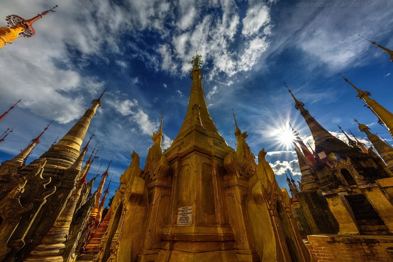 História/Em tempo de templos
