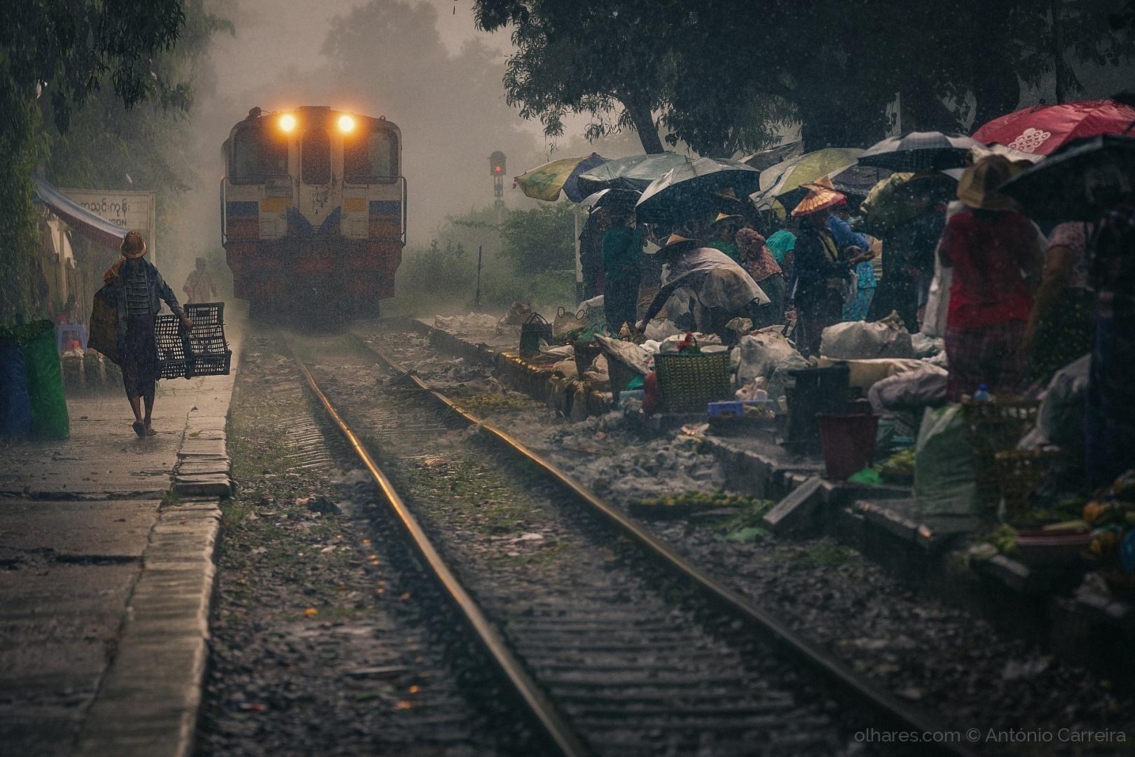 Gentes e Locais/Des trains pas comme les autres (ler...)