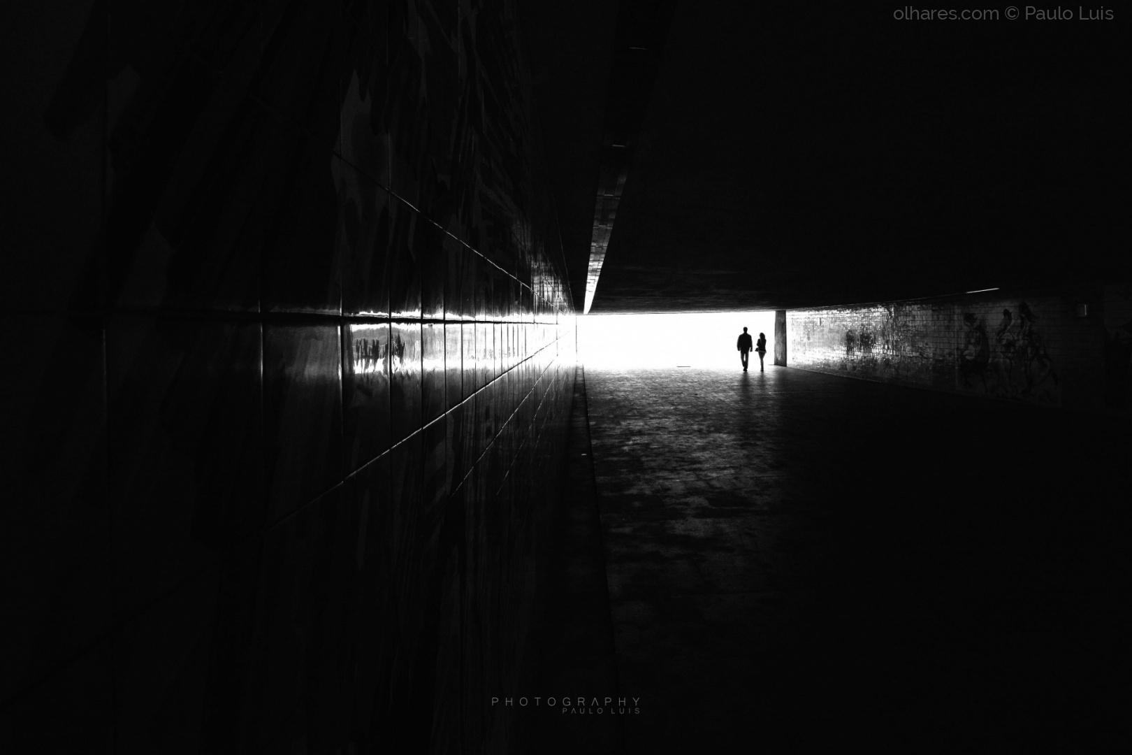 Gentes e Locais/A luz é o ponto de fuga...