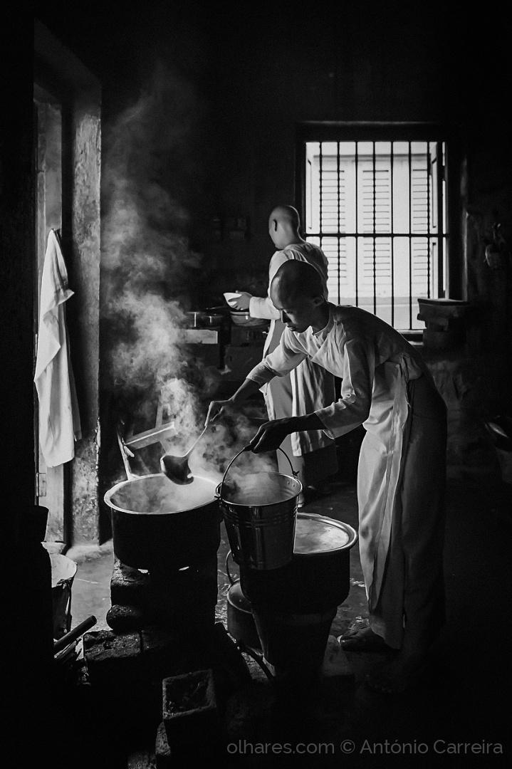 Gentes e Locais/The kitchen corner (...)