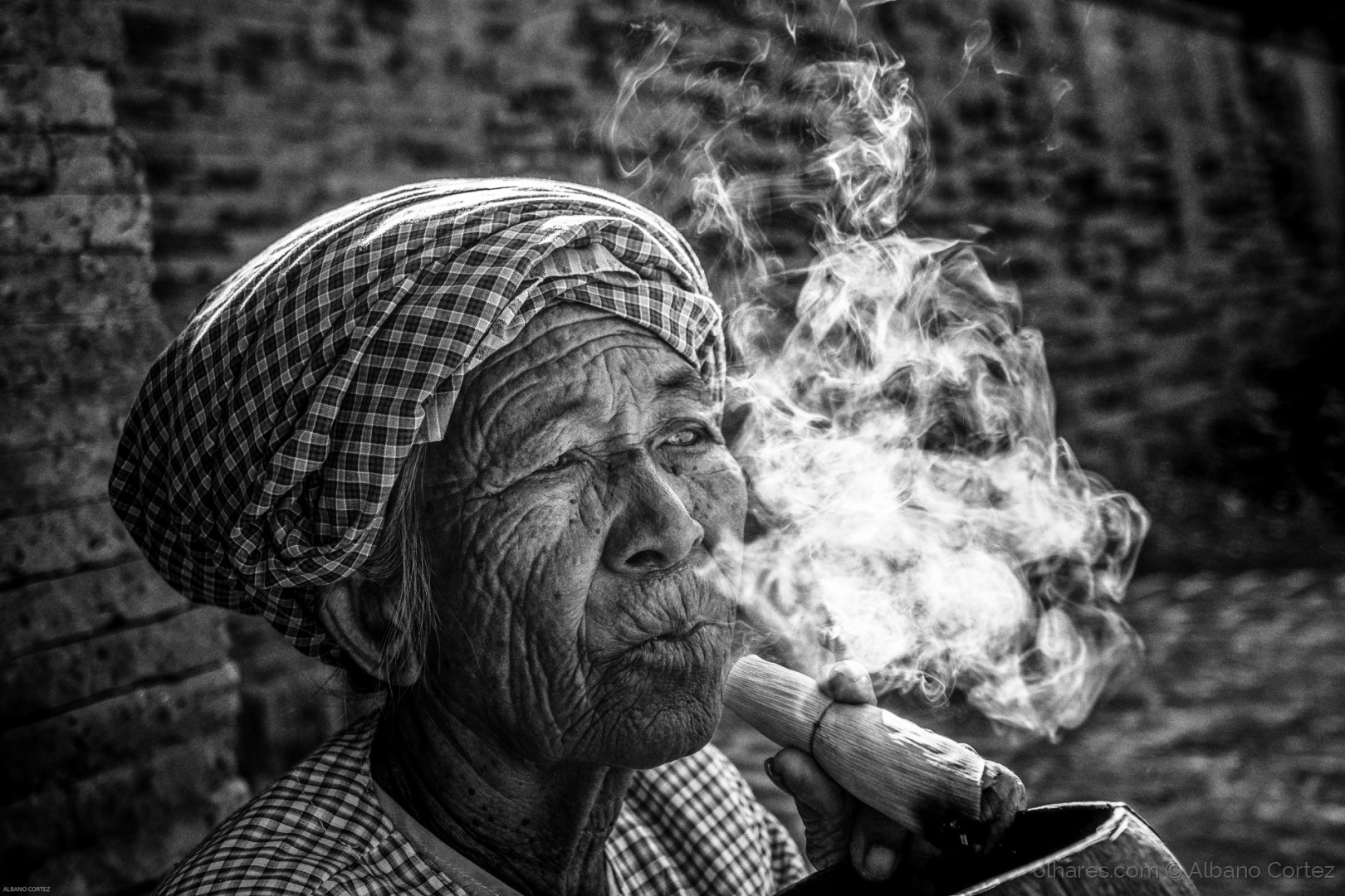 Retratos/Smoke gets in your eyes.