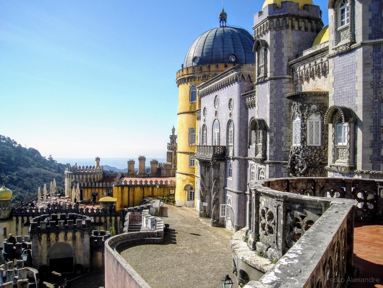 História/Palácio romântico do séc. XIX no topo da Serra de